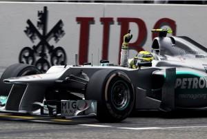 Нико Росберг,пересекая финишную линию,Гран-при Китая 2012