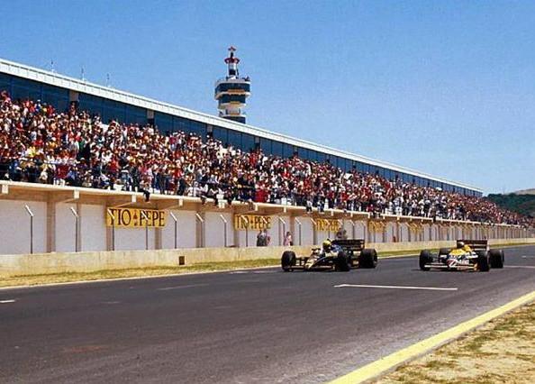 Айртон Сенна (Лотус) побеждает на Гран-при Испании в Хересе 1986 Найджела Дансел (Уильямс),опережая его на 0.014 секнды