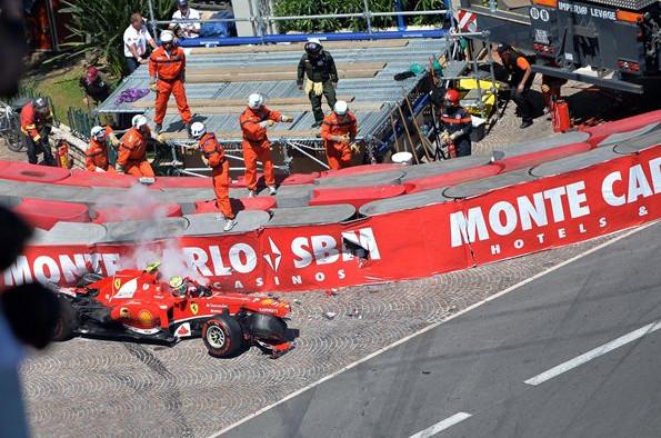 Филиппе Масса выбывает из гонки на Гран-при Монако 2013