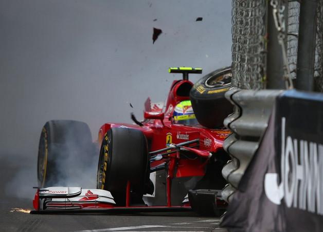 Филлипе Масса (Феррари) врезается в ограждение на Гран-при Монако 2013