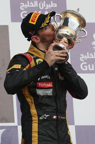 Роман Грожан (Франция) Лотус,на подиуме Гран-при Бахрейн