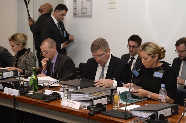 Росс Браун, руководитель команды Мерседес, на слушании дела ФИА против Мерседес и Пирелли
