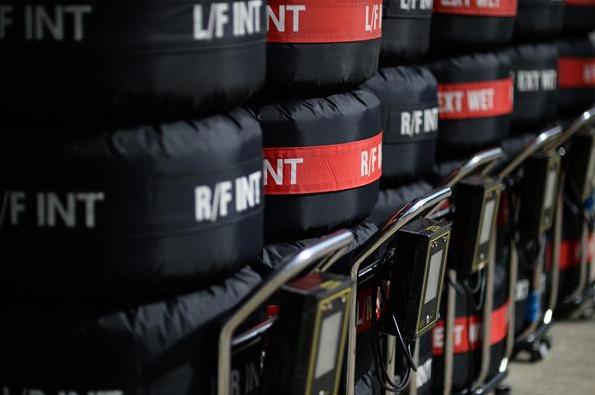 Шины Пирелли перед квалификацией Гран-при Великобритании