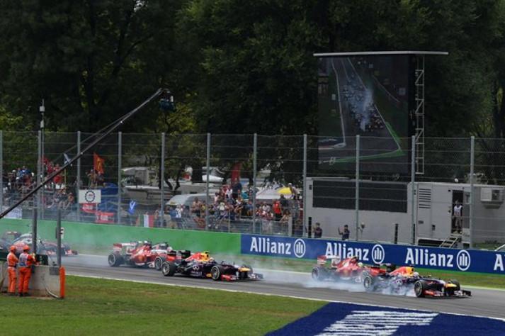 Старт гонки в Монце,Гран-при Италии 2013