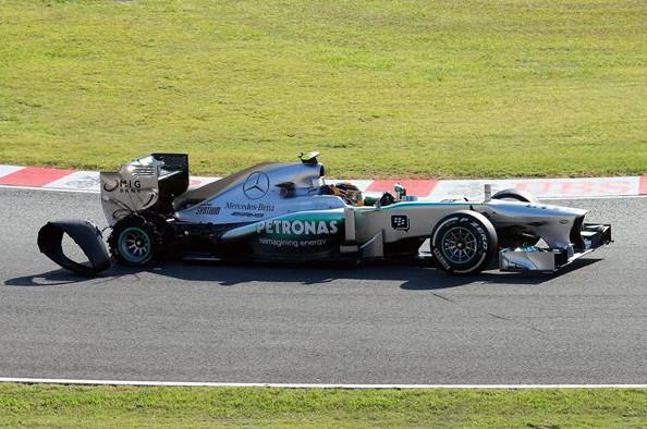 Прокол колеса Л.Хэмильтона, Феттелем Гран-при Японии 2013