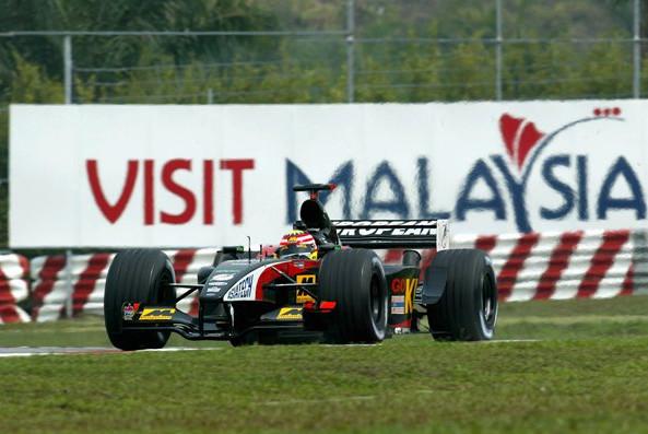 Гран-при Малайзии.Сводная статистика.Алекс Йонг (Малайзия)  пилот команды Минарди, квалифицировавшийся 22-м на домашней гонке в Малайзии, 2002 год