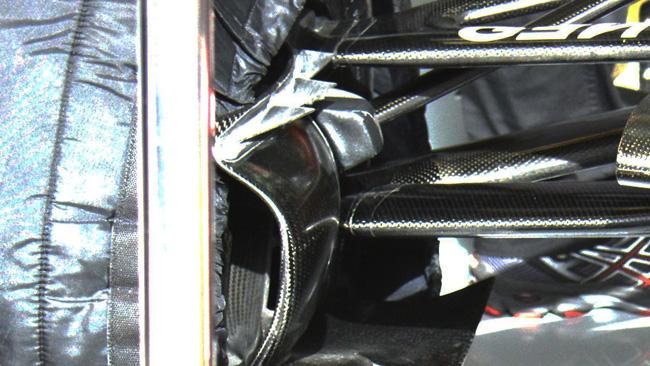 Лотус E22, аэродинамические элементы передней оси
