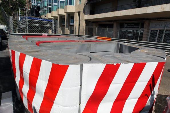 Текпро-барьеры устанавливаемые на некотороых участках трассы в Монако, например в шикане
