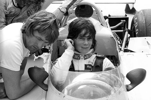 Дивина Галика за рулём Surtees TS16,на трассе Брендс-Хэтч, Англия.18 июля 1976 года