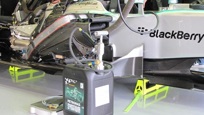 Какое топливо (бензин) заливают в болиды Формулы 1