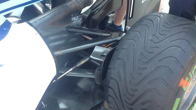 Уильямс FW36, новые детали в системе охлаждения тормозов, Венгрия 2014