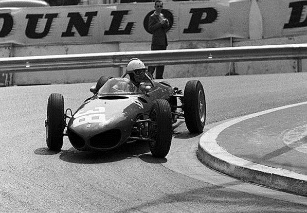 Феррари 1961. Филл Хилл за рулём Феррари 156, на гран-при Монако