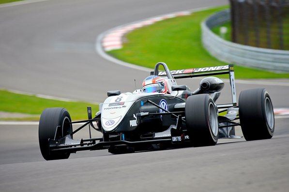 Кевин Магнуссен, Carlin Dallara Фольксваген, Формула 3 Мастерс, Зандворт, Голландия, 2011 год
