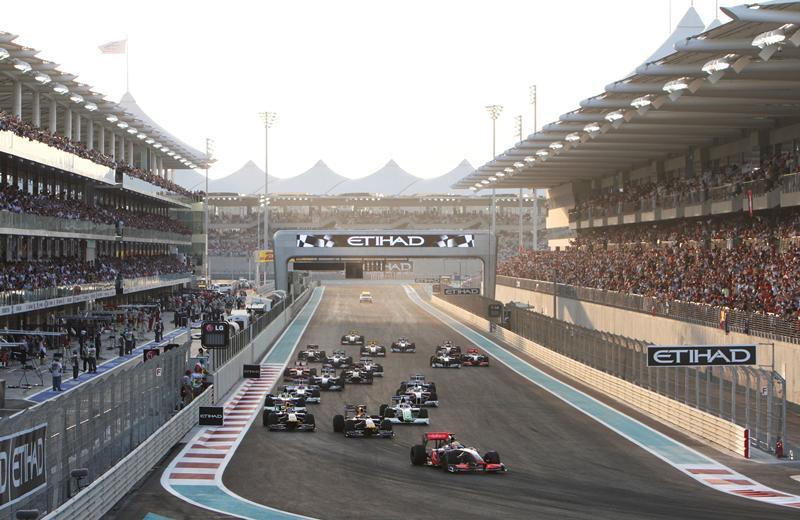 Моменты истории.Гран-при Абу-Даби.Дебютное Гран-при в Абу-Даби – это драйв! 2009 год