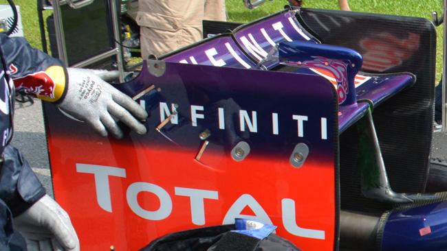Феррари F14T, задний спойлер от Ред Булл