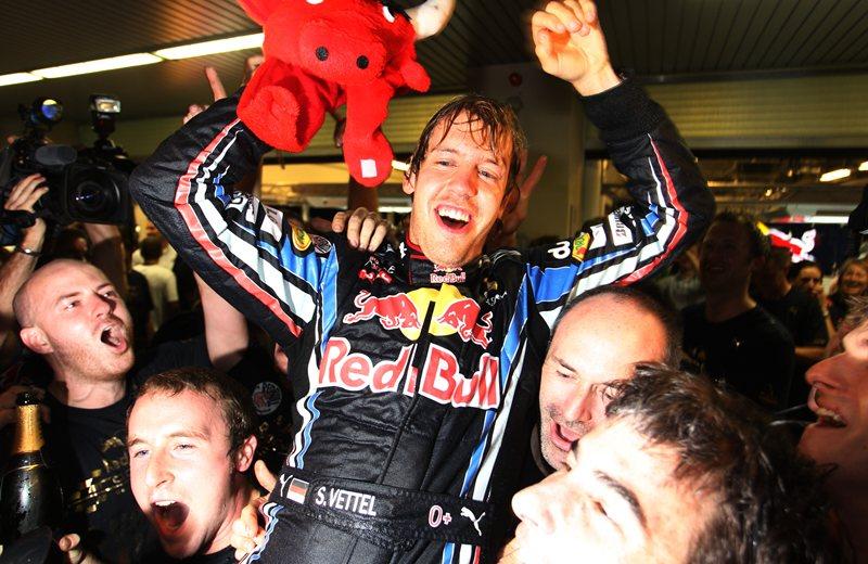 Феттель становится самым молодым чемпионом в истории Формулы 1, Абу-Даби 2010.