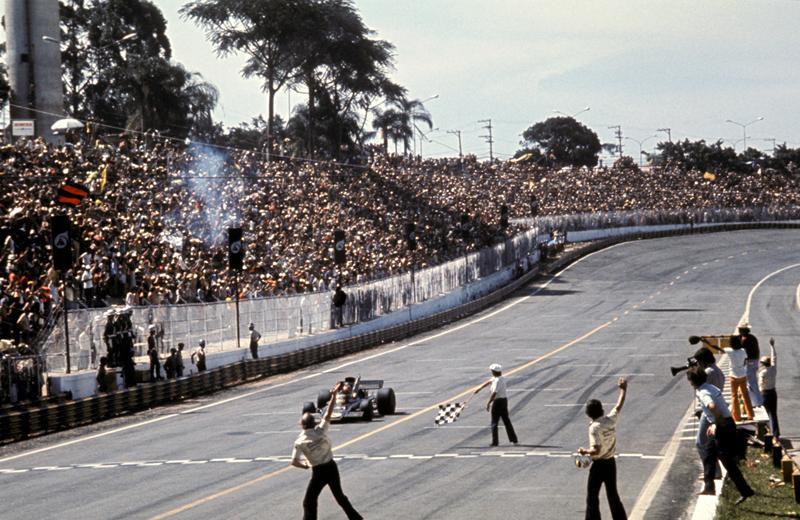 Моменты истории.Гран-при Бразилии.Фиттипальди выигрывает первое и очень значимое гран-при Бразилии, Интерлагос, 1973 год.