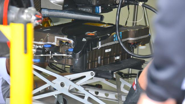 Макларен MP4-29 Пакет установки батареи ERS в Бразилии