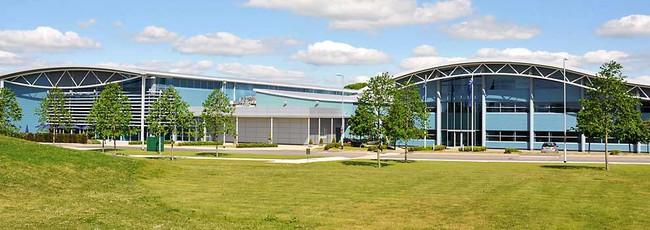 Бриксворт, строения на заводе Мерседес по изготовлению двигателей