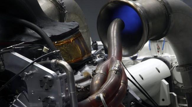 Испытание двигателя Мерседес