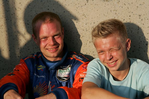 Кевин Магнуссен (сын бывшего пилота Макларен и Стюарт, Яна Магнуссена)Кевин Магнуссен (сын бывшего пилота Макларен и Стюарт, Яна Магнуссена)