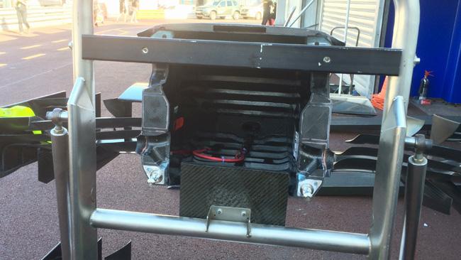 Обновления болида Уильямс FW37 в Монако.Уильямс FW37, Редкий кадр болида изнутри, Монако 2015