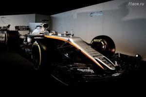 Форс Индия представила болид VJM10.Вид спереди под углом.